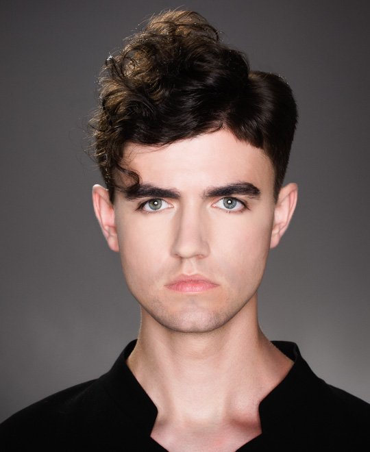 Graduation, Layering and Disconnection Men's Haircut